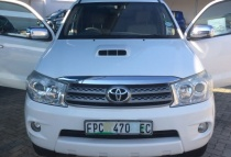 Toyota Fortuner 3.0d-4d R/b '09 - '11